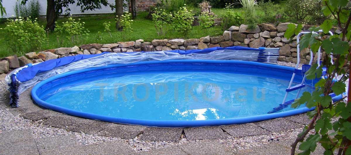 Kreisförmige Überdachung Der Schwimmbecken. Die Überdachung Des  Schwimmbeckens TROPIKO Ist Für Schwimmbecken Welche Auf Der
